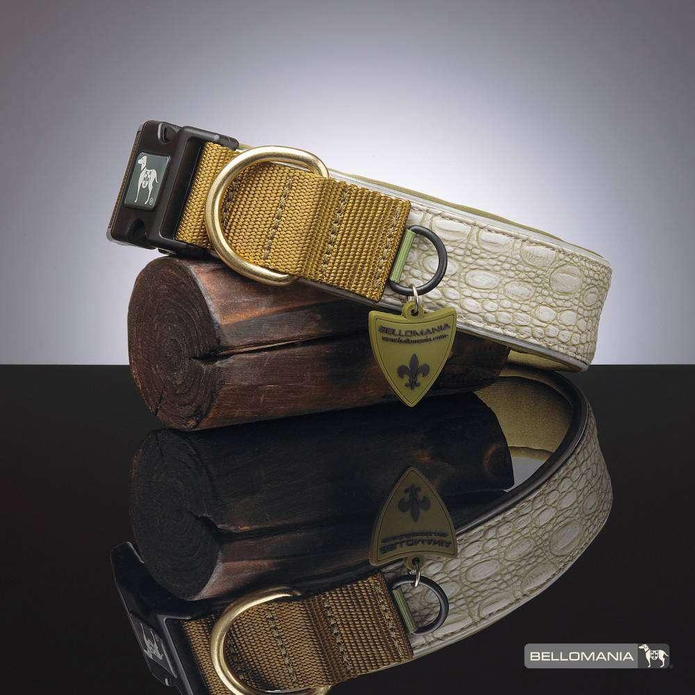 Schwarzes Halsband aus Vegan-Leder auf Holzdeko
